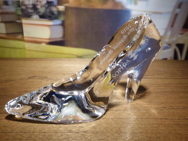 ソフィアクリスタル賞ガラスの靴 左側