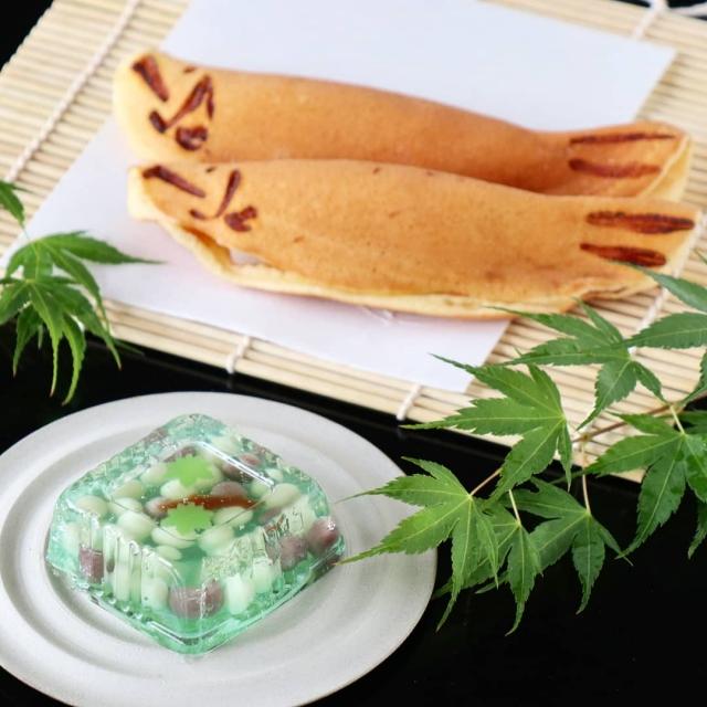 鮎の焼き菓子と錦玉