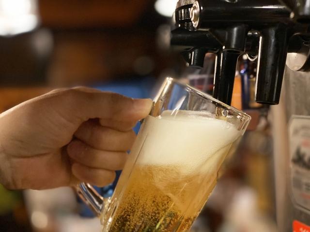 ビールサーバとジョッキ