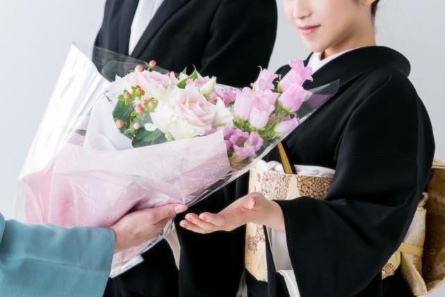 披露宴で両親へ花束